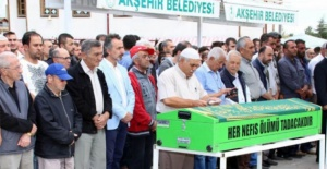 Oyuncu Mehmet Uslu memleketinde toprağa verildi
