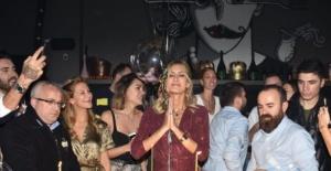 Çağla Şıkel'den 40 yaş kutlaması