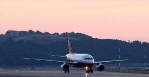 Cumhurbaşkanı'nı taşıyan uçak İstanbul Yeni Havalimanı'na indi
