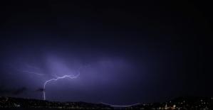 İstanbul'da sağanak yağış ilginç görüntüler oluşturdu