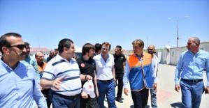 Türk cerrah Dr. Mehmet Öz Suriye'de