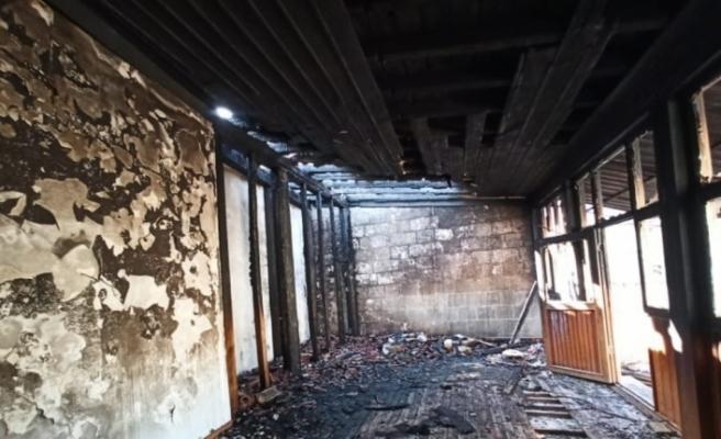 Siirt'te camiye çirkin saldırı: 130 yıllık camiyi ateşe verdiler