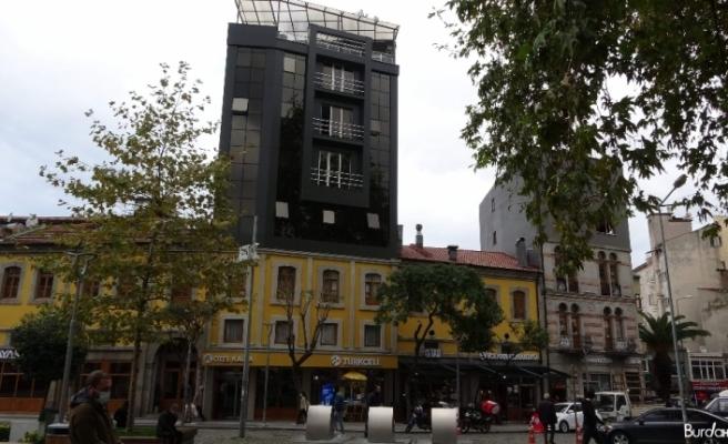 Trabzon'da sıra dışı bina görüntüsüyle dikkat çekiyor