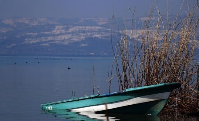 Sapanca Gölü yükseldi, karaya oturan kayıklar suyla buluştu
