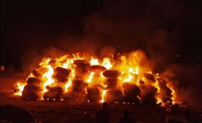 Çiftçinin bir yıllık emeği yangında kül oldu