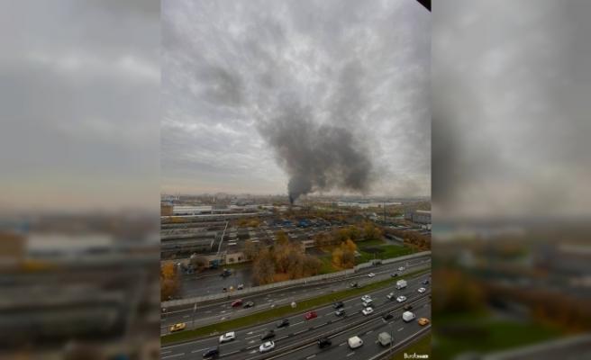 Rusya'da park halindeki 10 otomobil alev alev yandı