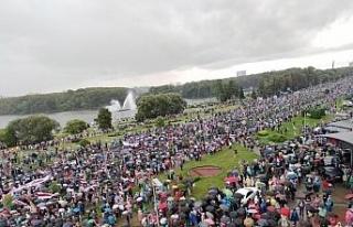 Belarus'ta devam eden protestolara polis engeli
