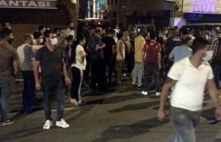 Beyoğlu'nda pazarcılar eylem yaparak yol kapattı
