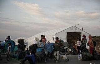 Facianın ardından geçici kurulan kampa götürülüyorlar