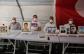 HDP önünde evladını bekleyen ailelerin hikayeleri...