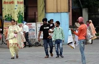 Hindistan, dünyada en çok Covid-19 vakası görülen...