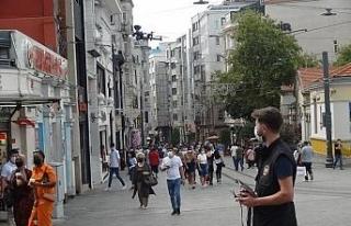 İstiklal Caddesi'nde drone'lu korona virüs uyarısı
