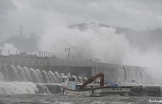 Japonya'yı vuran Haishen Tayfunu Güney Kore'ye...