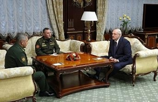 """Lukaşenko: """"Putin'den yeni silahlar istedim"""""""