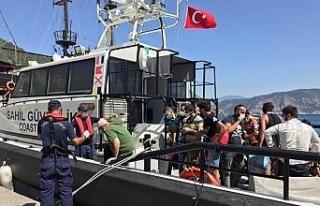 Marmaris açıklarında 35 düzensiz göçmen yakalandı