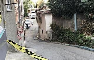Beyoğlu'nda inşaat işçilerinin kavgasında kan...