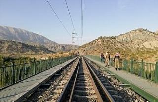 Demiryolunda bomba paniği