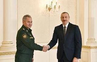 Azerbaycan Cumhurbaşkanı Aliyev Rusya Savunma Bakanı...