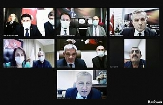Bakan Koca, 7 ilin sağlık müdürü ile video konferansta...
