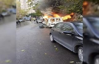 İstanbul'da korku dolu anlar: Minibüsler alev...