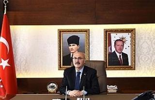 İzmir Valisi Yavuz Selim Köşger korona virüse...