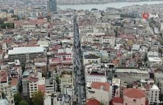 Sokağa çıkma kısıtlaması öncesi Taksim'de...