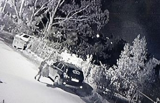 Hatay'da araç kundaklama anı güvenlik kamerasında