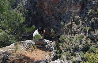 Antalya'da kayıp hemşire, uçurum ve ormanlık...