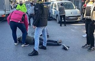 Aracın çarptığı motosikletli genç ağır yaralandı.....