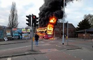 Kuzey İrlanda'da protestolar şiddet olaylarına...