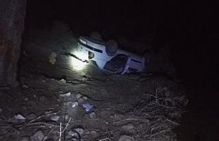 Antalya'da otomobil şarampole devrildi: 1 ölü,...
