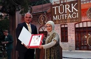 Emine Erdoğan, 'Asırlık Tariflerle Türk Mutfağı'...