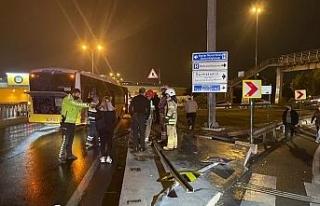 Avcılar'da halk otobüsü kaza yaptı, otobüse...