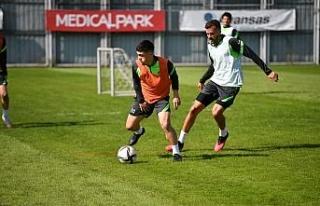 Bursaspor, Boluspor maçının taktik antrenmanını...