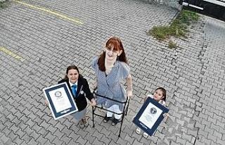 Dünyanın en uzun kadını ikinci kez 'Guinness...