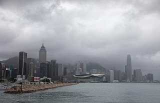Hong Kong'u Kompasu Tayfunu vurdu: 1 ölü