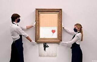 İngiliz sanatçı Banksy'nin eseri rekor fiyata...