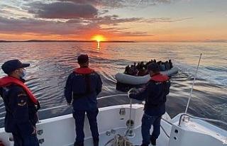 Yunan unsurlarınca geri itilen 67 düzensiz göçmen...