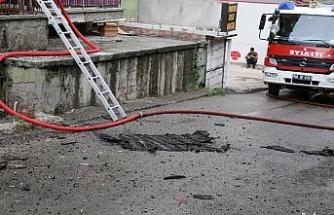 Ankara'da korkutan yangın: Mahsur kalan anne ve çocuklarını itfaiye kurtardı