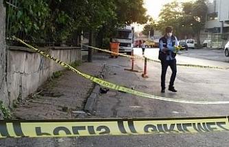 Cezaevinden izinli çıkan eski eşini sokak ortasında silahla vurdu