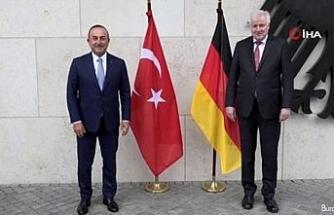 Dışişleri Bakanı Çavuşoğlu, Almanya İçişleri Bakanı Seehofer ile görüştü