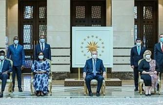 Fildişi Sahili Büyükelçisi Toure, Erdoğan'a güven mektubu sundu