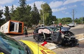 İsrail'de otobüs ile otomobil çarpıştı: 21 yaralı