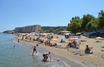 Tekirdağ plajlarında mesafeli yoğunluk