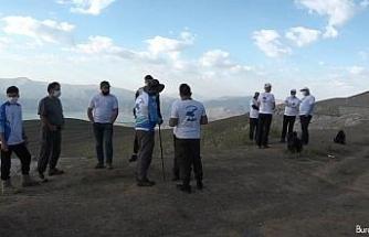 Dünyanın 2. büyük krater gölü etrafında yürüyüş