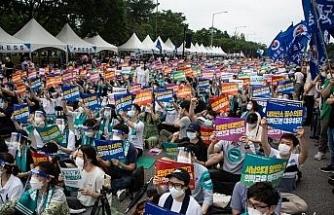 Güney Kore'de doktorlar sağlık reformuna karşı greve çıktı