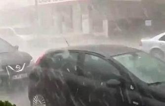 Anadolu Yakası'nda ceviz büyüklüğünde dolu yağışı etkili oluyor