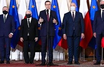 Polonya'da kabine değişikliği: 2 bakan değişti