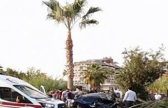 Rus turist otostop çekerek bindiği otomobil kaza yapınca öldü