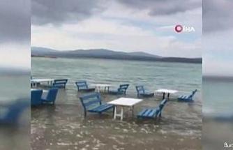 Sığacık'ta deprem sonrası sular çekildi